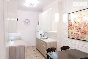 Продається 3-кімнатна квартира 96.6 кв. м у Одесі