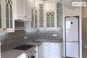 Продается 2-комнатная квартира 64 кв. м в Одессе