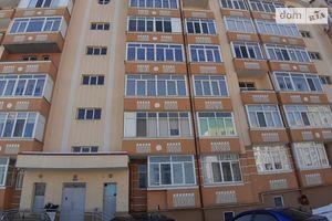 Продається 2-кімнатна квартира 65.04 кв. м у Чернівцях