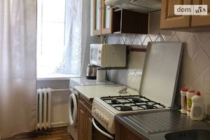 Продається 4-кімнатна квартира 70 кв. м у Дніпрі