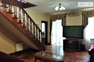 Продается 5-комнатная квартира 143.4 кв. м в Киеве