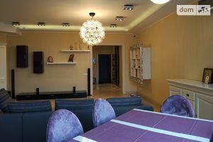 Продается 4-комнатная квартира 156 кв. м в Киеве
