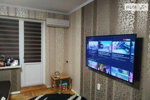 Продается 3-комнатная квартира 70 кв. м в Мукачеве