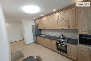 Продається 2-кімнатна квартира 65.8 кв. м у Рівному