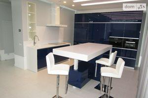 Продается 3-комнатная квартира 150 кв. м в Киеве