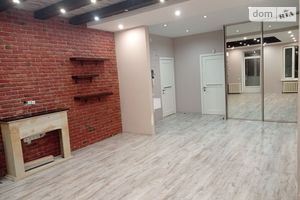 Продается 4-комнатная квартира 110 кв. м в Киеве