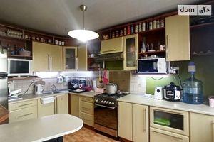 Продается 4-комнатная квартира 74.1 кв. м в Виннице
