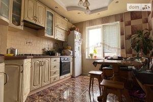 Продается 3-комнатная квартира 69.8 кв. м в Ровно