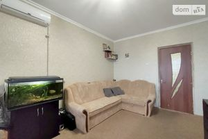 Продается 4-комнатная квартира 83 кв. м в Чернигове