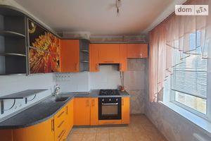 Продается 1-комнатная квартира 35 кв. м в Чернигове