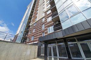 Сдается в аренду нежилое помещение в жилом доме 97 кв. м в 16-этажном здании