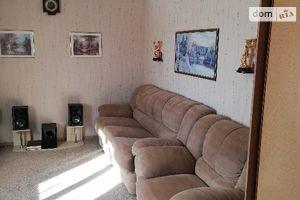 Продается 4-комнатная квартира 102 кв. м в Чернигове