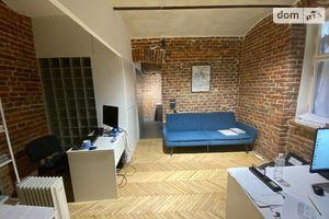 Продається приміщення вільного призначення 30 кв. м в 3-поверховій будівлі