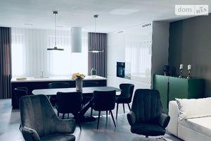 Продается дом на 2 этажа 292 кв. м с мансардой