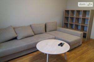 Продается 2-комнатная квартира 64 кв. м в Ужгороде