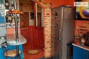 Продается 2-комнатная квартира 67 кв. м в Полтаве