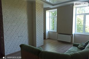 Продается 3-комнатная квартира 56 кв. м в Чернигове