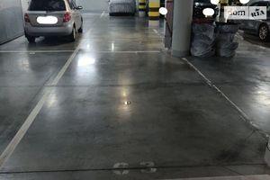 Сдается в аренду подземный паркинг под легковое авто на 15 кв. м