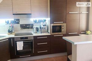 Продается 3-комнатная квартира 78 кв. м в Ужгороде