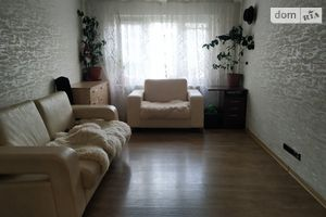 Продається 3-кімнатна квартира 64.5 кв. м у Одесі