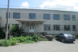 Продається приміщення вільного призначення 930 кв. м в 3-поверховій будівлі